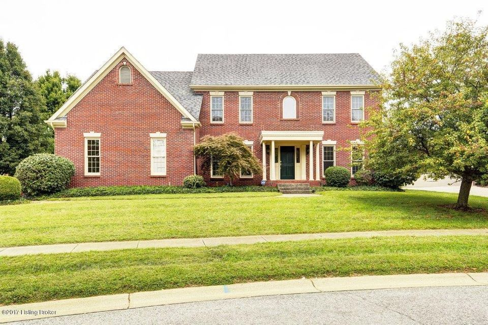 Single Family Home for Sale at 205 Pepperbush Road Louisville, Kentucky 40207 United States