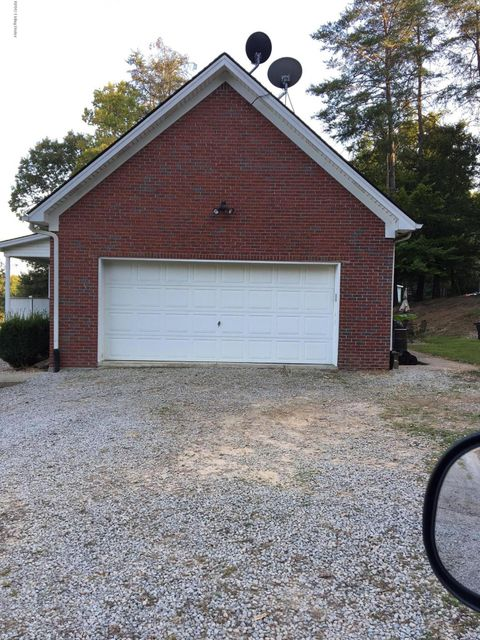 Additional photo for property listing at 657 Cedar Spring Drive 657 Cedar Spring Drive Lebanon Junction, Kentucky 40150 United States