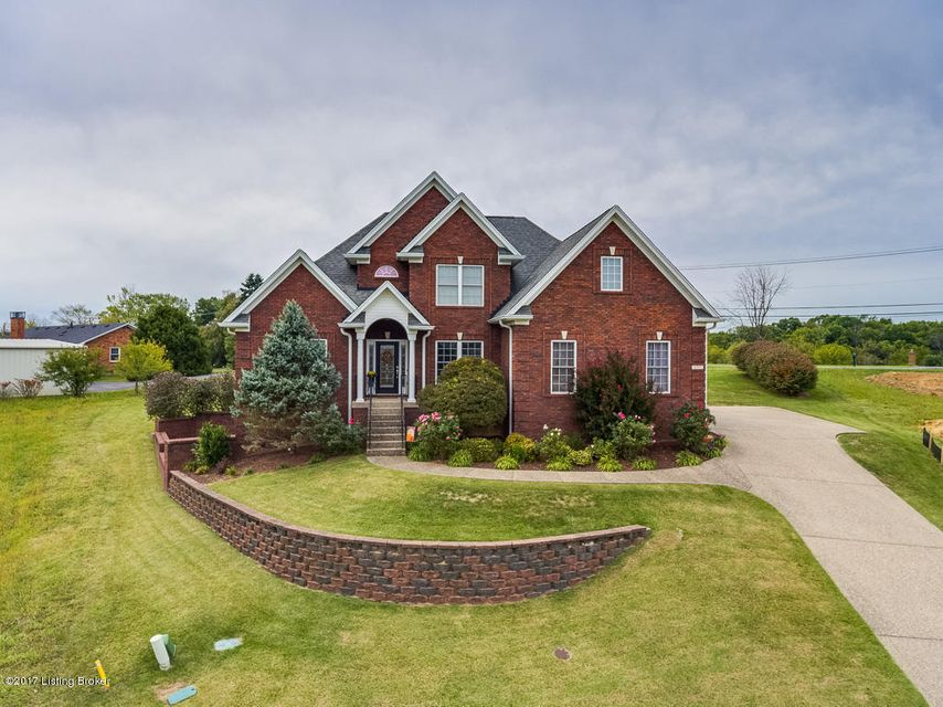 Single Family Home for Sale at 4707 Chelsea Court Crestwood, Kentucky 40014 United States