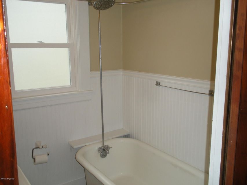 Additional photo for property listing at 815 Sylvia Street 815 Sylvia Street Louisville, Kentucky 40217 United States