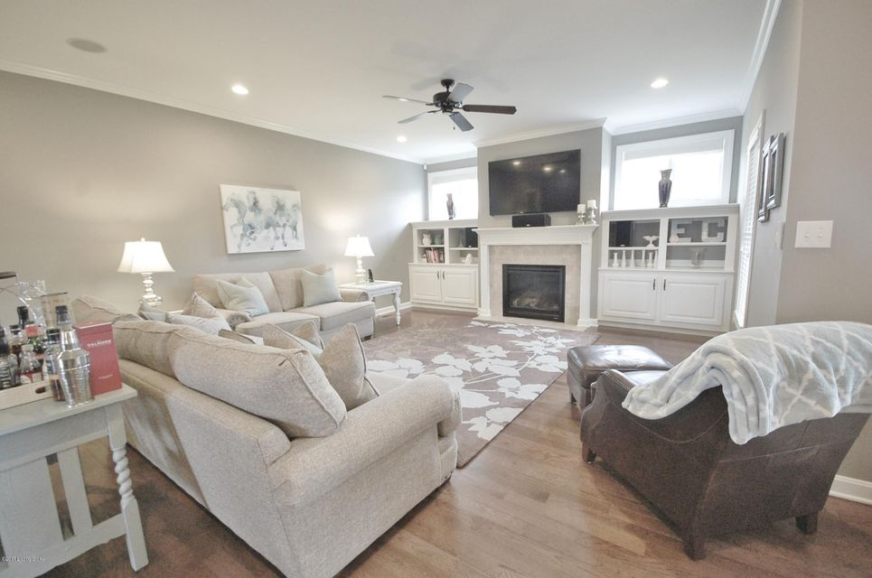 Additional photo for property listing at 7008 Creekton Drive 7008 Creekton Drive Louisville, Kentucky 40241 United States