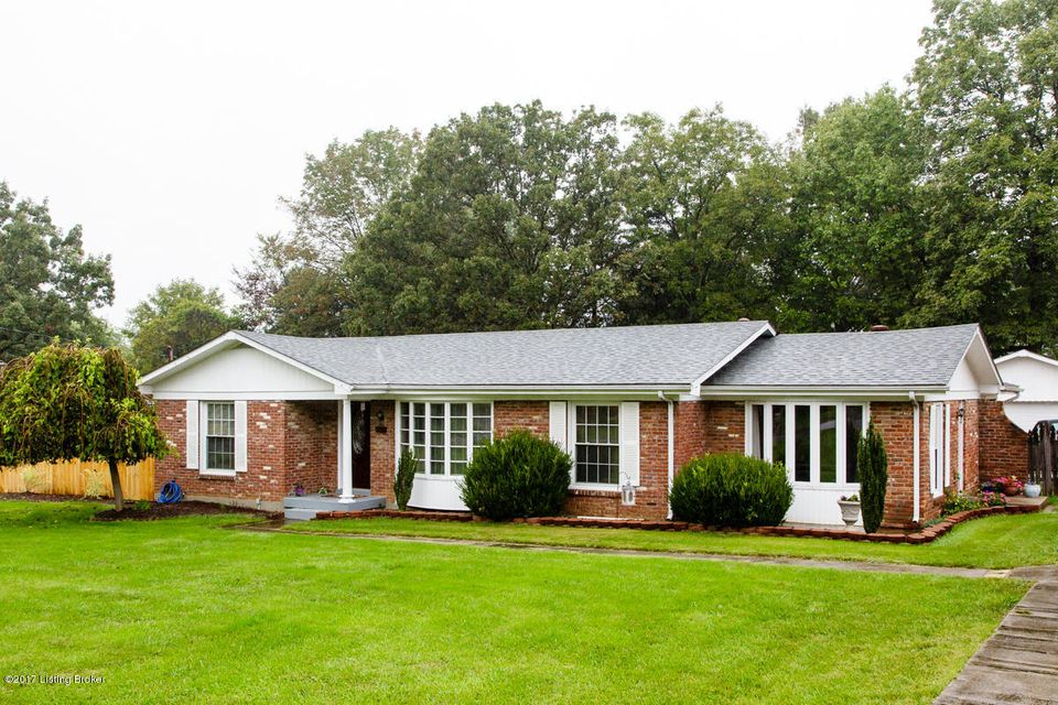 Single Family Home for Sale at 358 E Lakeview Drive 358 E Lakeview Drive Mount Washington, Kentucky 40047 United States
