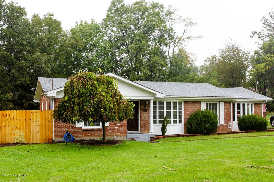 Additional photo for property listing at 358 E Lakeview Drive 358 E Lakeview Drive Mount Washington, Kentucky 40047 United States