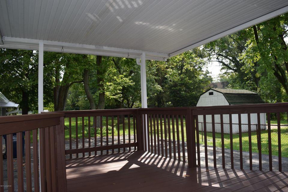 Additional photo for property listing at 4110 Millcreek Drive 4110 Millcreek Drive Louisville, Kentucky 40216 United States