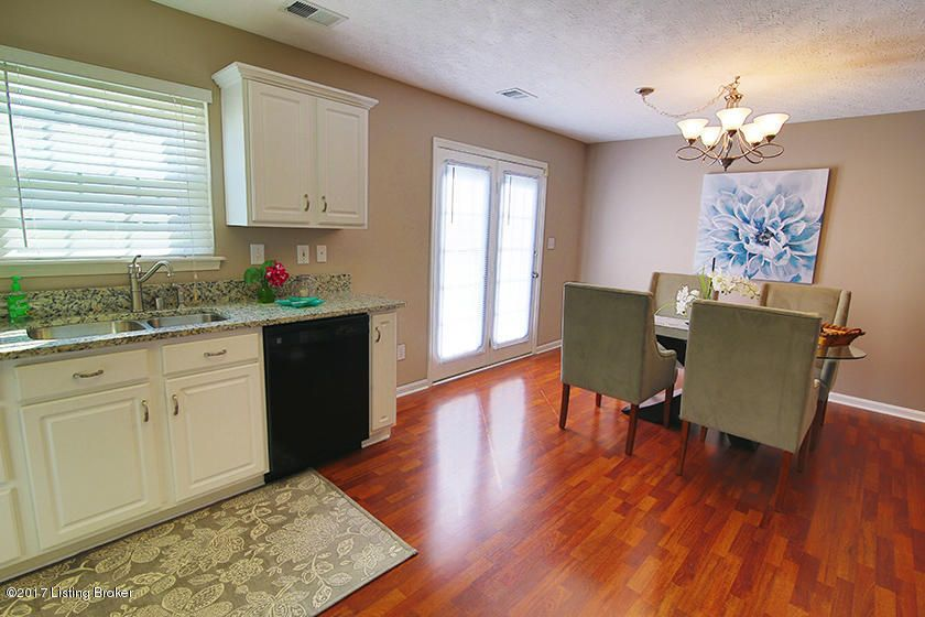 Additional photo for property listing at 8620 Garden Gate Circle 8620 Garden Gate Circle Louisville, Kentucky 40291 United States