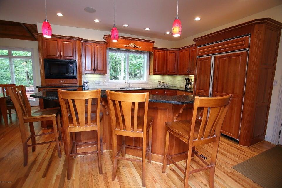 Additional photo for property listing at 7510 Cambridge 7510 Cambridge Crestwood, Kentucky 40014 United States