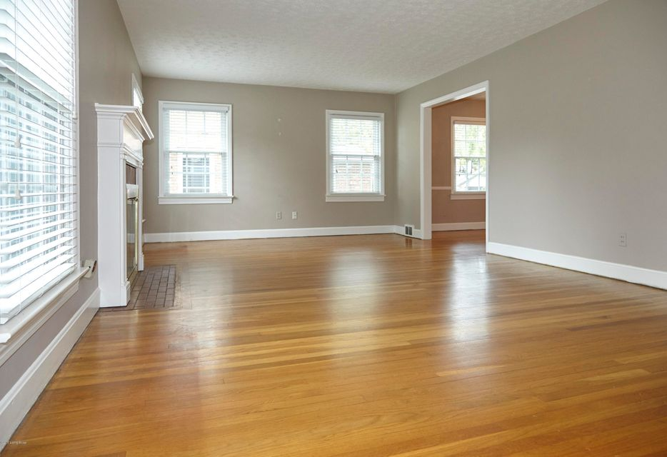 Additional photo for property listing at 213 Ring Road 213 Ring Road Louisville, Kentucky 40207 United States