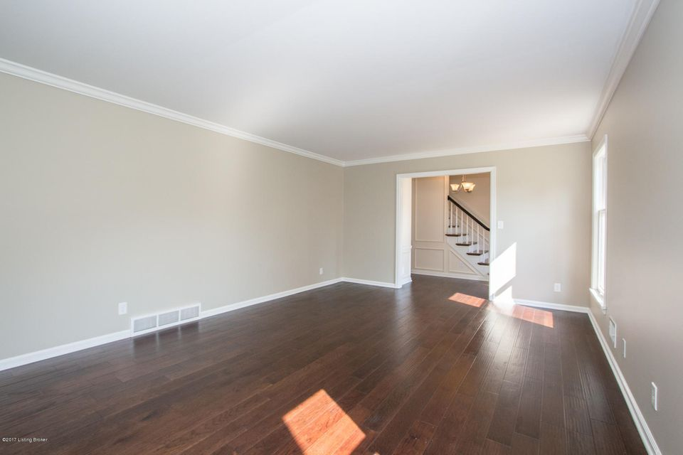 Additional photo for property listing at 8101 Springlake Drive 8101 Springlake Drive Louisville, Kentucky 40241 United States