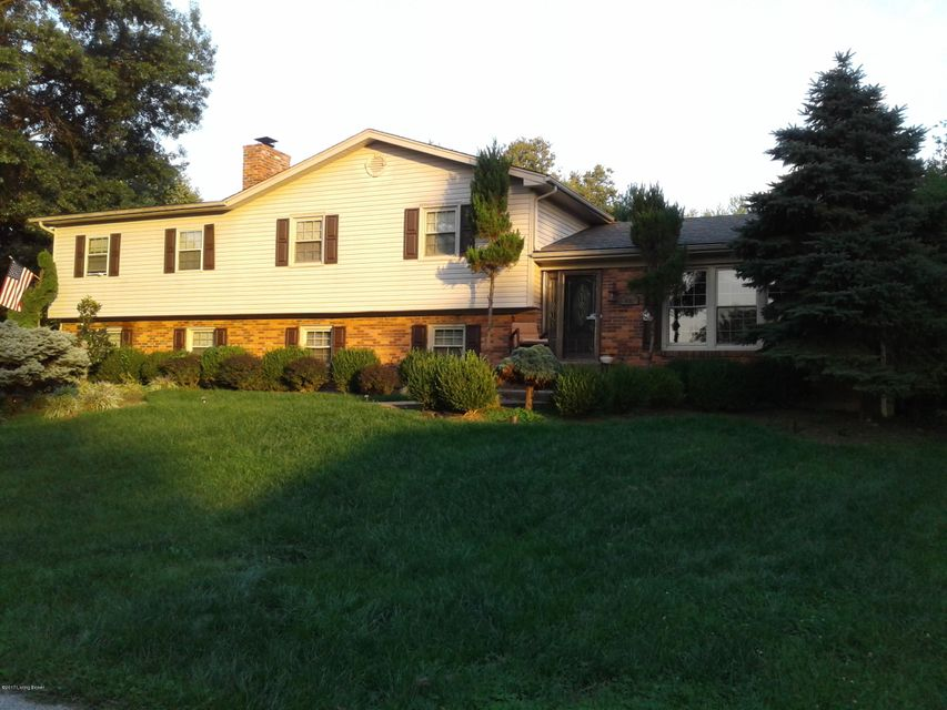 Single Family Home for Sale at 405 Rockstone Place 405 Rockstone Place Louisville, Kentucky 40243 United States