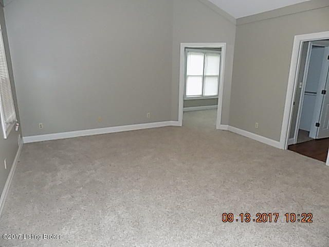 Additional photo for property listing at 4603 Grand Dell Drive 4603 Grand Dell Drive Crestwood, Kentucky 40014 United States
