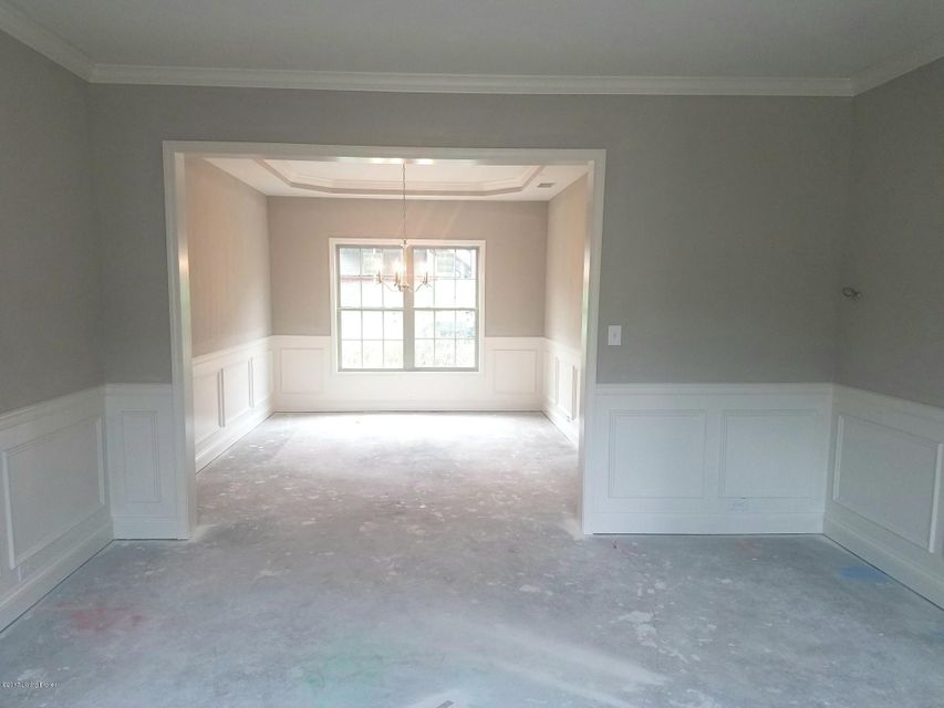 Additional photo for property listing at 6931 Franklin Farmer Way  Louisville, Kentucky 40229 United States