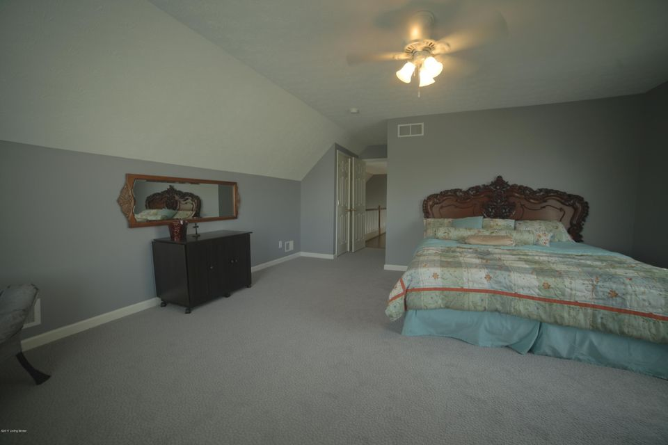 Additional photo for property listing at 6814 Caitlynn Way 6814 Caitlynn Way Louisville, Kentucky 40229 United States