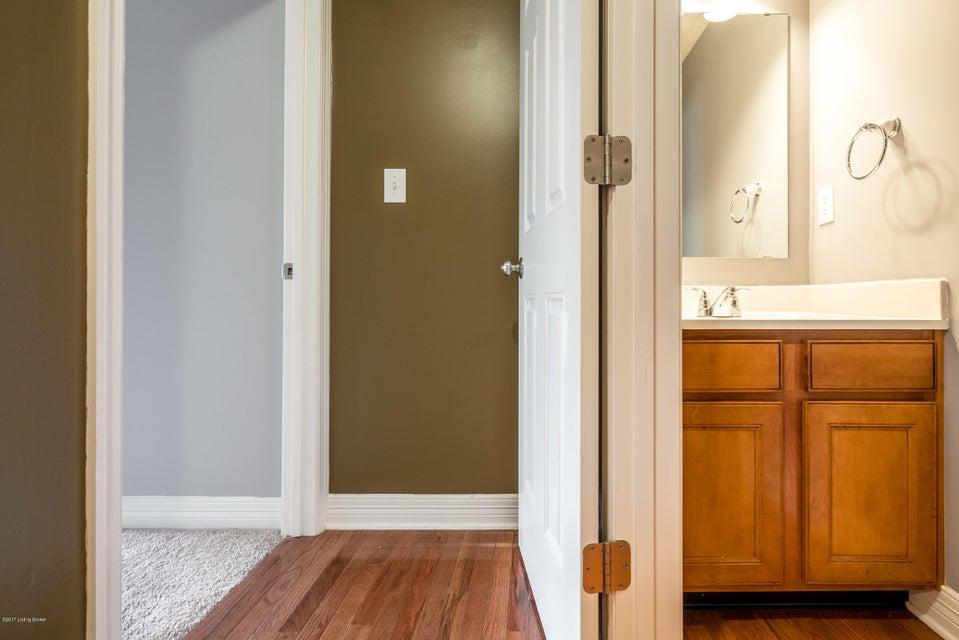 Additional photo for property listing at 10100 Mountain Laurel Lane 10100 Mountain Laurel Lane Louisville, Kentucky 40228 United States