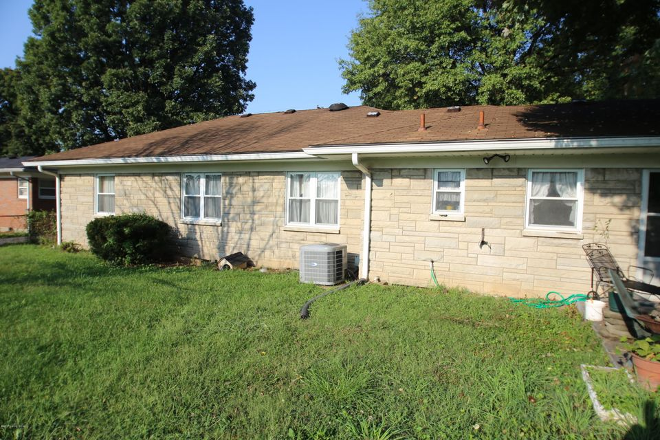 Additional photo for property listing at 3201 Penhurst Drive  Louisville, Kentucky 40216 United States