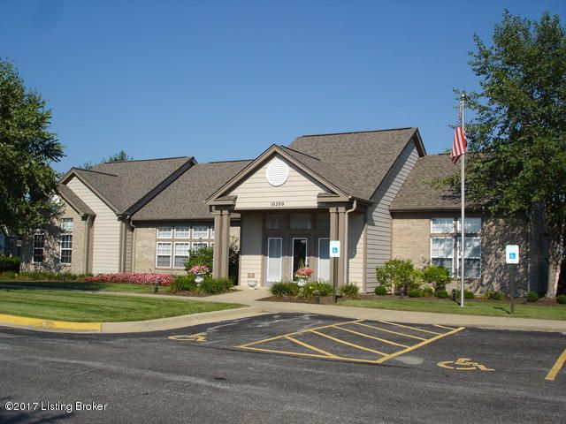 Additional photo for property listing at 10403 Trotters Point Drive 10403 Trotters Point Drive Louisville, Kentucky 40241 United States