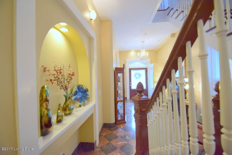 Additional photo for property listing at 103 W Ormsby Avenue 103 W Ormsby Avenue Louisville, Kentucky 40203 United States