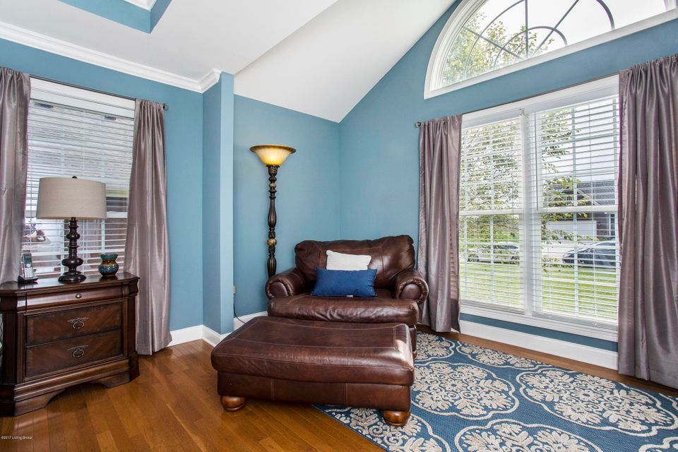 Additional photo for property listing at 247 N Canterbury Glen Drive 247 N Canterbury Glen Drive Mount Washington, Kentucky 40047 United States