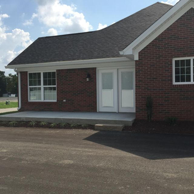 Additional photo for property listing at 505 Eagle Pointe Drive 505 Eagle Pointe Drive Louisville, Kentucky 40214 United States