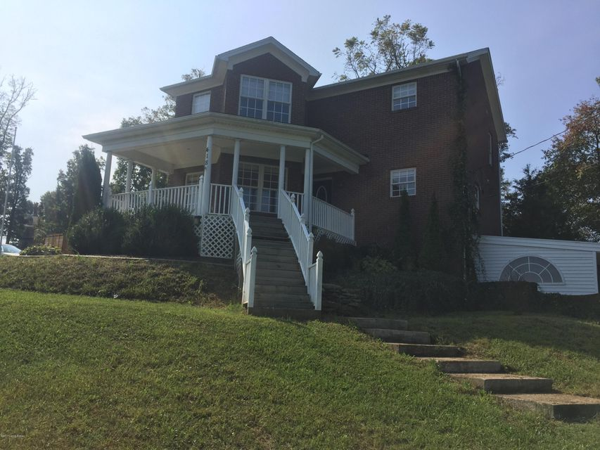 Single Family Home for Sale at 418 Grandview Drive 418 Grandview Drive Brandenburg, Kentucky 40108 United States