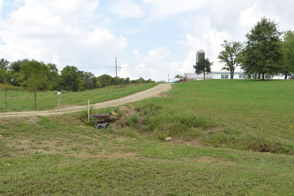 Additional photo for property listing at 3730 Stringtown Road 3730 Stringtown Road Bloomfield, Kentucky 40008 United States