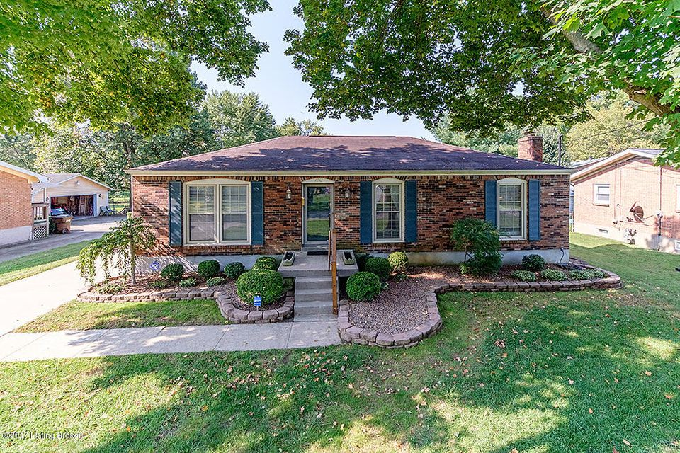 Single Family Home for Sale at 1012 Springview Drive 1012 Springview Drive Louisville, Kentucky 40219 United States
