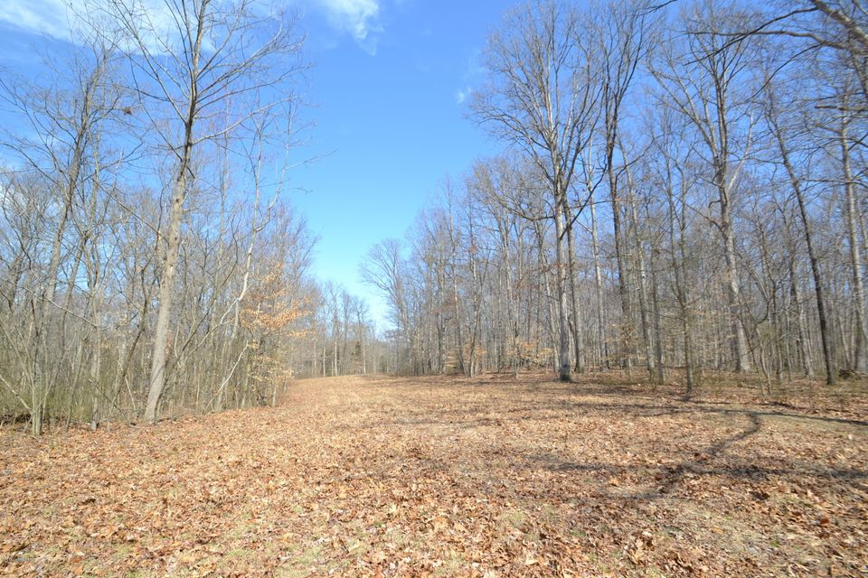 Additional photo for property listing at 1526 W Hwy 42 1526 W Hwy 42 La Grange, Kentucky 40031 United States