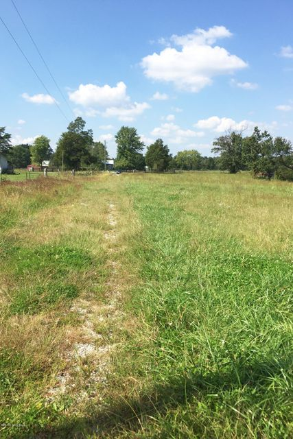 Additional photo for property listing at 3963 Beech Grove 3963 Beech Grove Shepherdsville, Kentucky 40165 United States