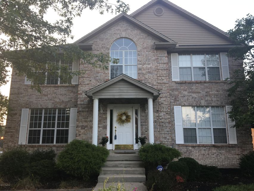 Single Family Home for Sale at 1317 Crosstimbers Drive 1317 Crosstimbers Drive Louisville, Kentucky 40245 United States