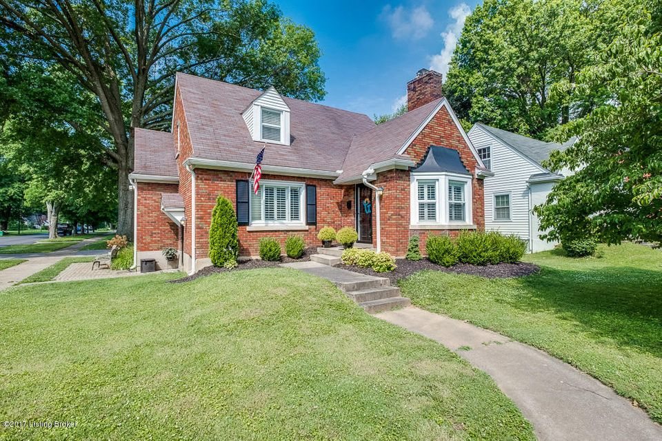 Single Family Home for Sale at 424 Browns Lane 424 Browns Lane Louisville, Kentucky 40207 United States
