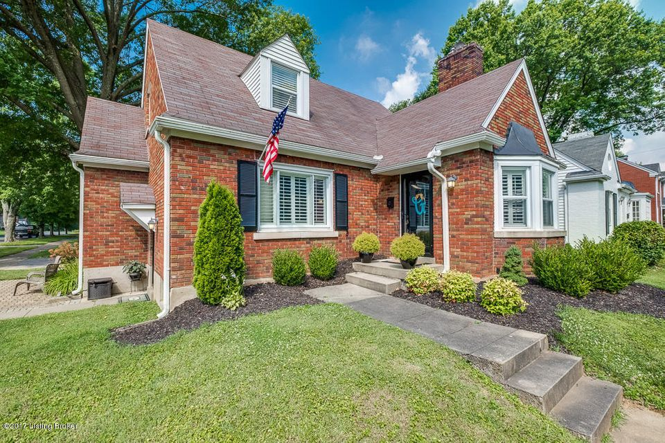 Additional photo for property listing at 424 Browns Lane 424 Browns Lane Louisville, Kentucky 40207 United States