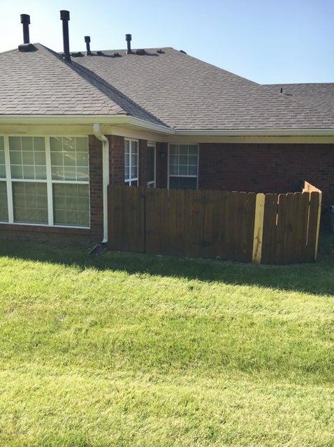 Additional photo for property listing at 8533 Aspen Glen Way 8533 Aspen Glen Way Louisville, Kentucky 40228 United States