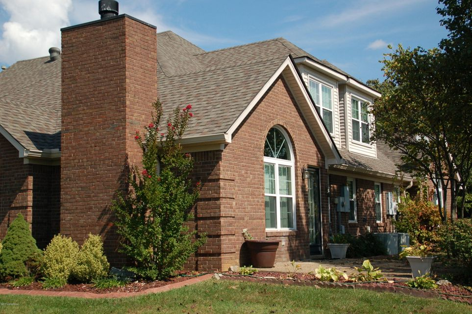 Additional photo for property listing at 8003 Port Royal Court 8003 Port Royal Court Louisville, Kentucky 40291 United States