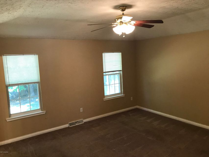 Additional photo for property listing at 102 Masters Street 102 Masters Street Radcliff, Kentucky 40160 United States