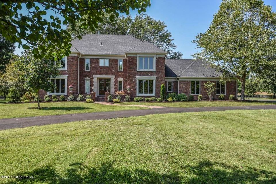 Single Family Home for Sale at 2406 Cave Spring Place 2406 Cave Spring Place Louisville, Kentucky 40223 United States