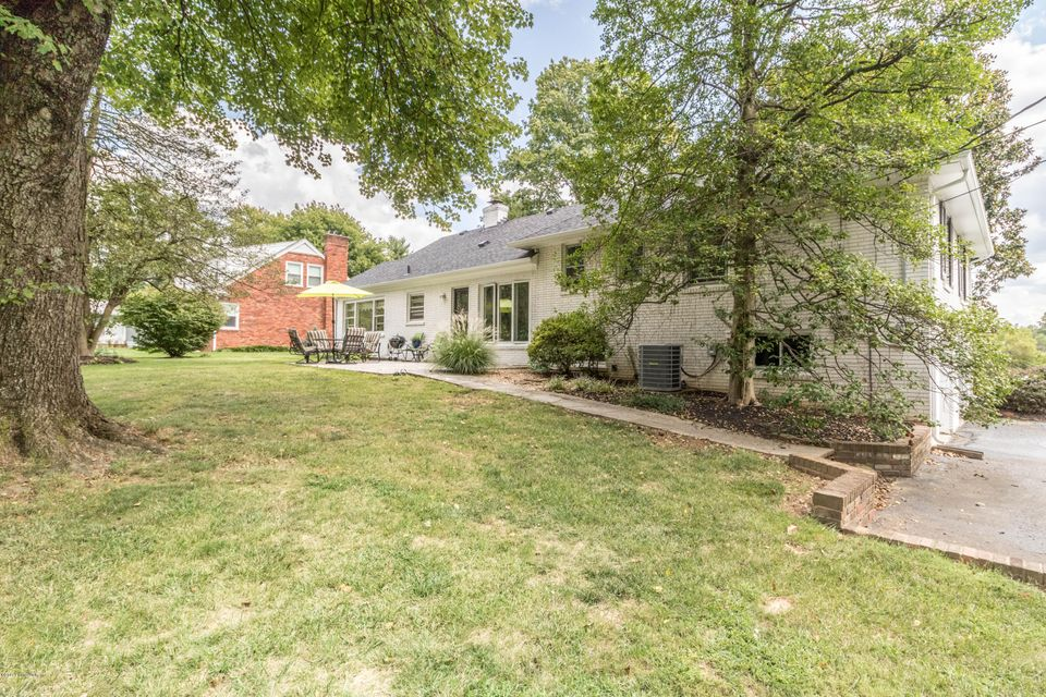 Additional photo for property listing at 6401 Regal Road 6401 Regal Road Louisville, Kentucky 40222 United States