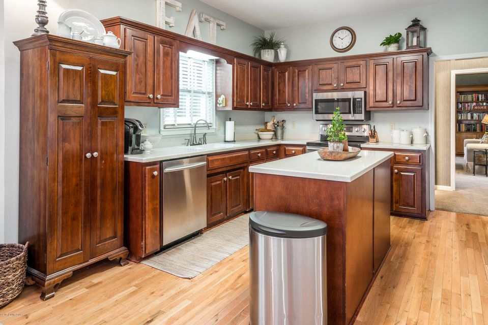 Additional photo for property listing at 1228 Augusta Drive 1228 Augusta Drive Shelbyville, Kentucky 40065 United States