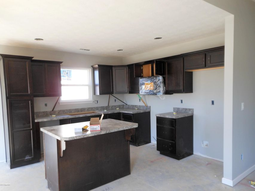 Additional photo for property listing at 11313 Pebble Trace 11313 Pebble Trace Louisville, Kentucky 40229 United States
