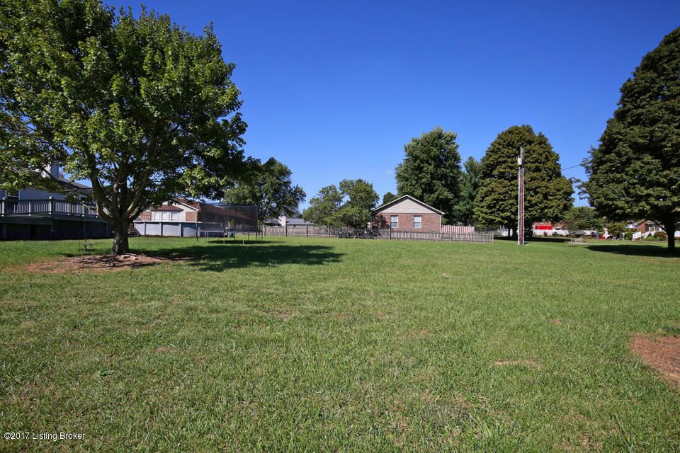 Additional photo for property listing at 178 Rolling Ridge Lane 178 Rolling Ridge Lane Shepherdsville, Kentucky 40165 United States