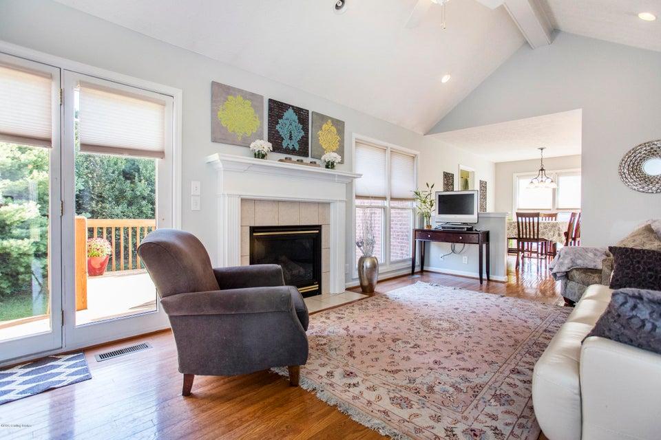 Additional photo for property listing at 1013 Barbizon Drive 1013 Barbizon Drive Goshen, Kentucky 40026 United States