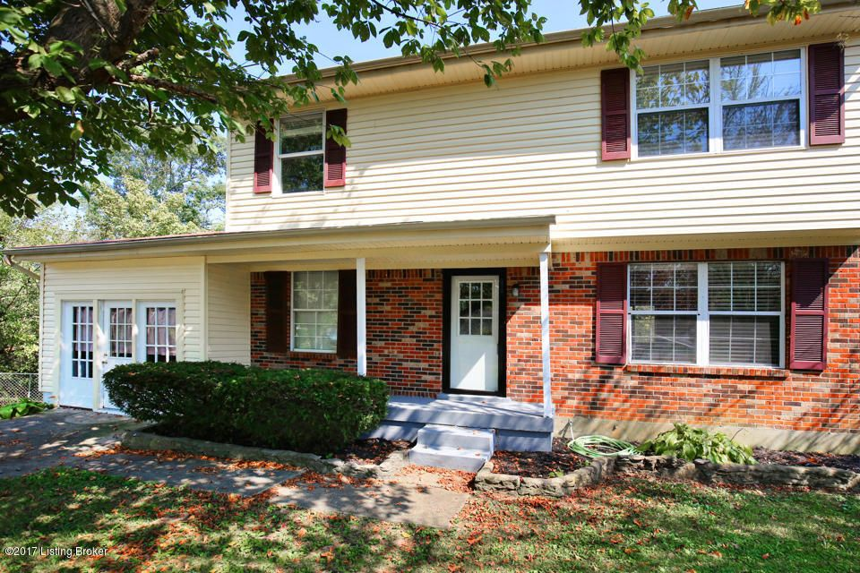 Single Family Home for Sale at 1613 Rhode Court 1613 Rhode Court La Grange, Kentucky 40031 United States