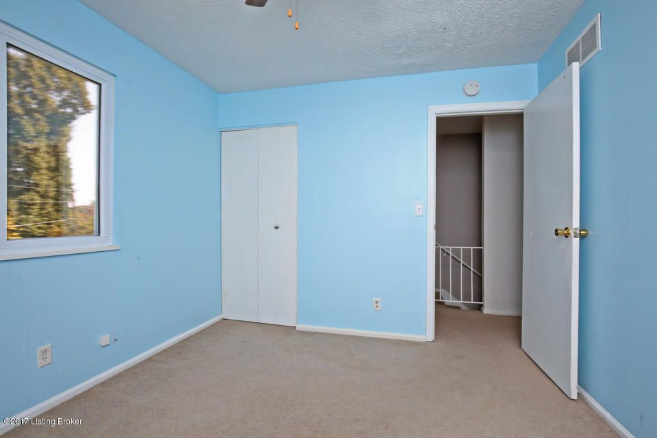 Additional photo for property listing at 1613 Rhode Court 1613 Rhode Court La Grange, Kentucky 40031 United States