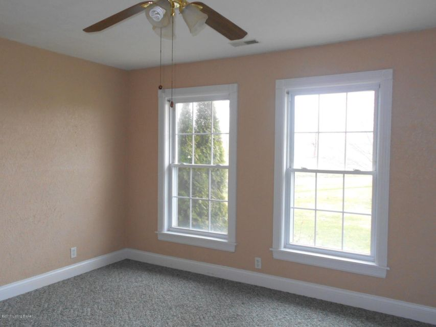 Additional photo for property listing at 909 Beaver Dam Creek Road 909 Beaver Dam Creek Road Leitchfield, Kentucky 42754 United States