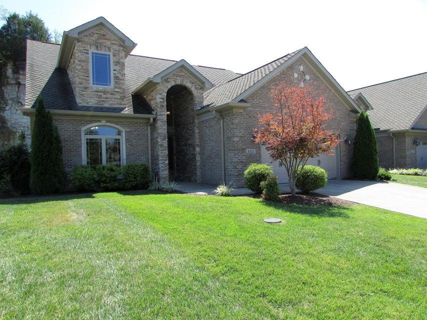 Condominium for Sale at 8052 Lakeside Quarry Drive 8052 Lakeside Quarry Drive Jeffersonville, Indiana 47130 United States