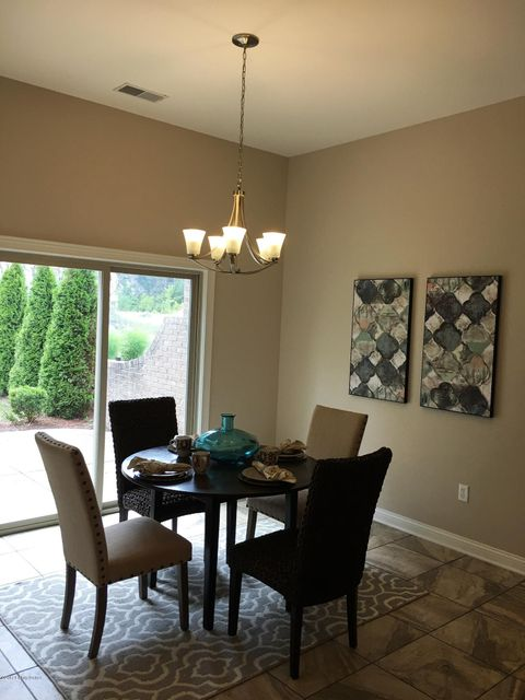 Additional photo for property listing at 8052 Lakeside Quarry Drive 8052 Lakeside Quarry Drive Jeffersonville, Indiana 47130 United States