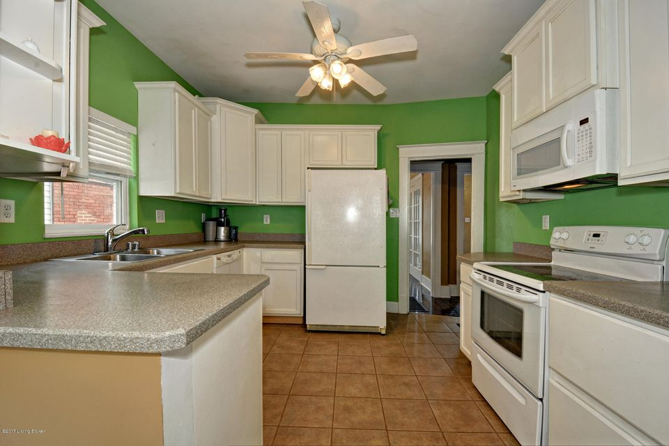 Additional photo for property listing at 705 S Barbee Way 705 S Barbee Way Louisville, Kentucky 40217 United States