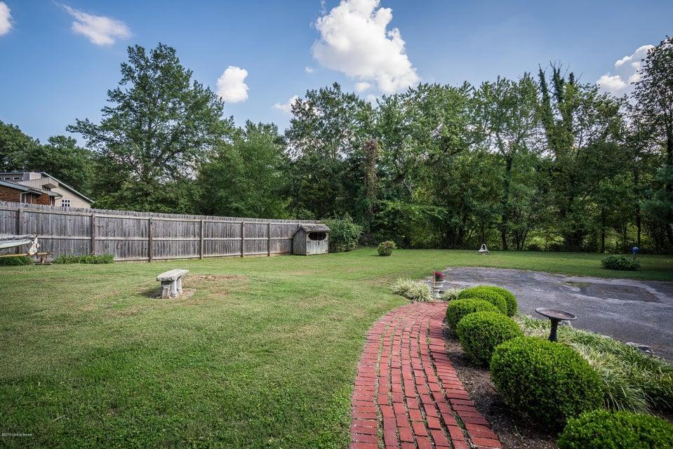 Additional photo for property listing at 3706 Klerner Lane 3706 Klerner Lane New Albany, Indiana 47150 United States