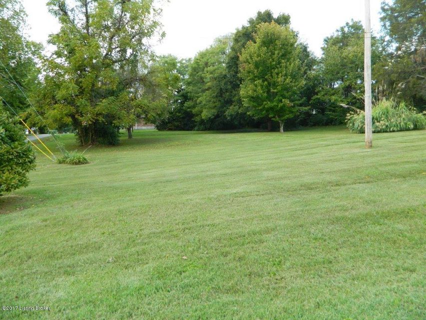 Additional photo for property listing at 9016 Cedar Creek Road 9016 Cedar Creek Road Louisville, Kentucky 40291 United States