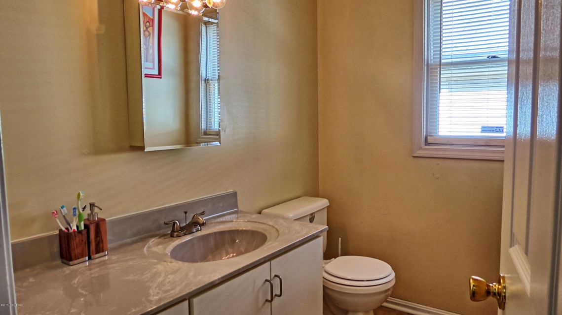 Additional photo for property listing at 612 18th Street 612 18th Street Louisville, Kentucky 40203 United States