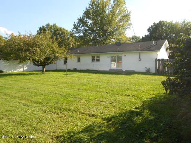 Additional photo for property listing at 111 Park Lane 111 Park Lane Lawrenceburg, Kentucky 40342 United States