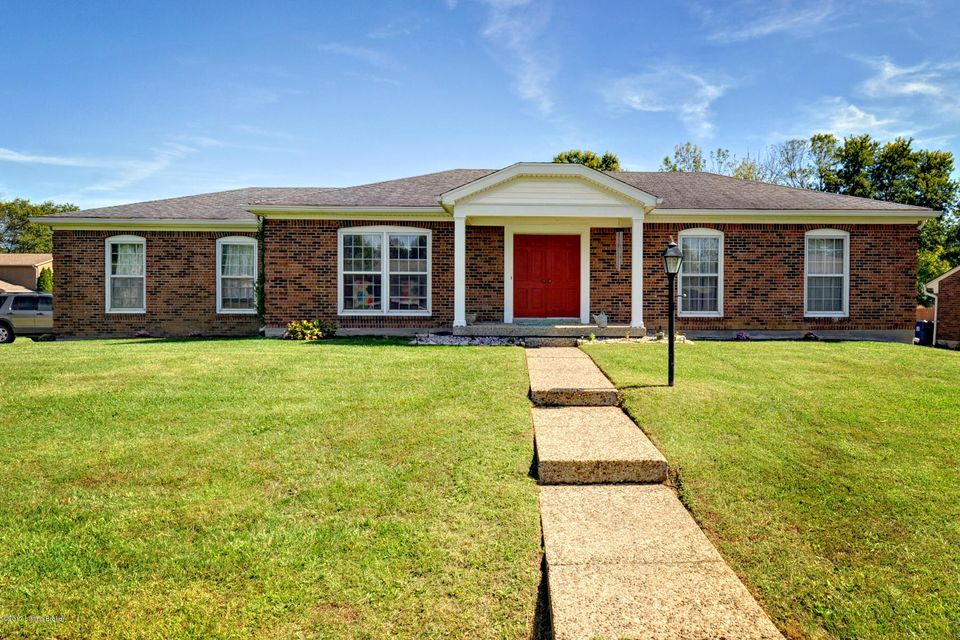 Single Family Home for Sale at 8414 Cabin Hill Road 8414 Cabin Hill Road Louisville, Kentucky 40291 United States
